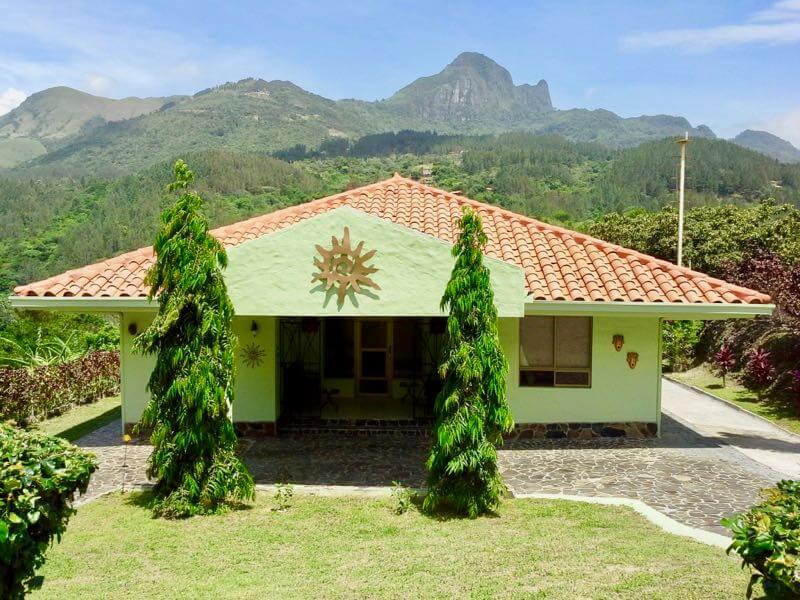 Linda casa con hermosa terraza zona Toscana II